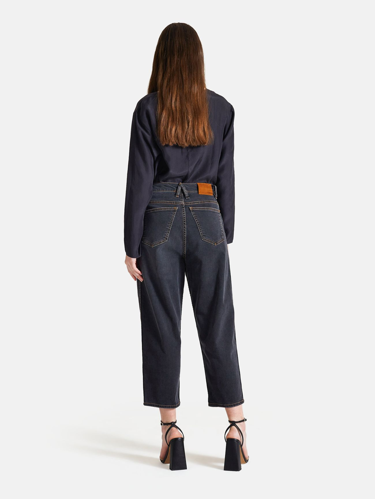 LOLA CARROT ANKLE BLACK STONE WASH NERO